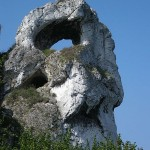Okiennik Wielki błędnie Skarżyckim zwany, choć we wsi Piaseczno leży