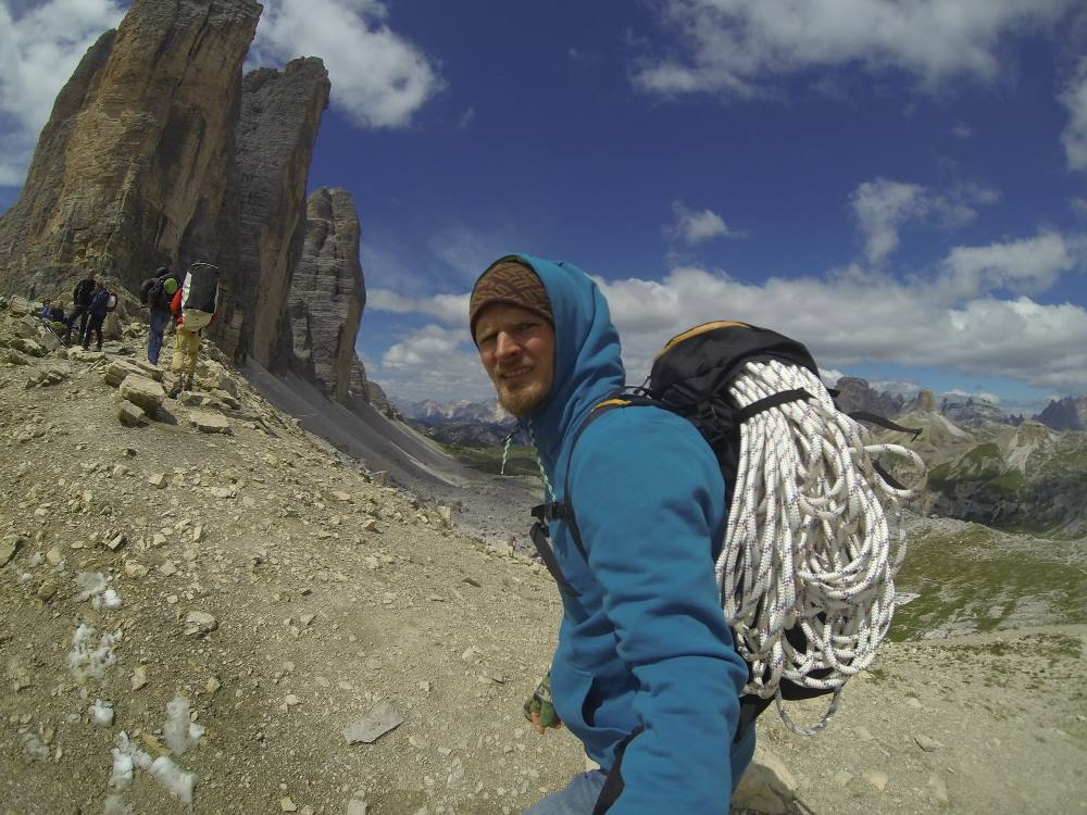 Transport poręczówek (fot. Alpine Wall Tour)